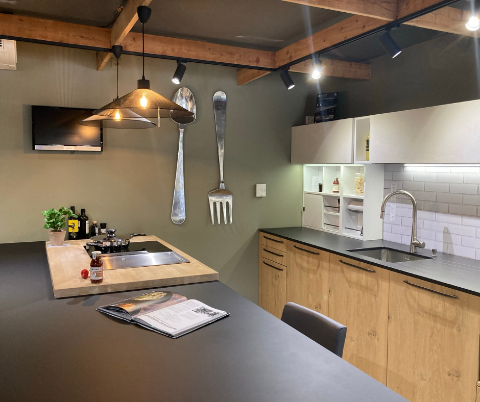 Cuisine d'exposition Atelier Auneau style industriel
