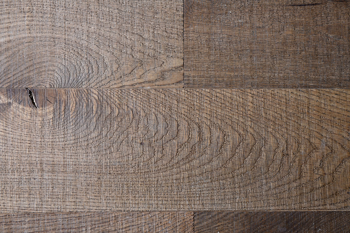 Atelier Auneau - Nœud et détail de parquet chêne massif