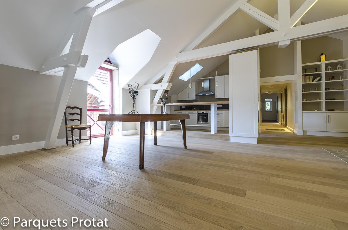 Atelier Auneau - Parquets Protat semi massif 3 largeurs brossé verni fumé ambré blanc pose à la française